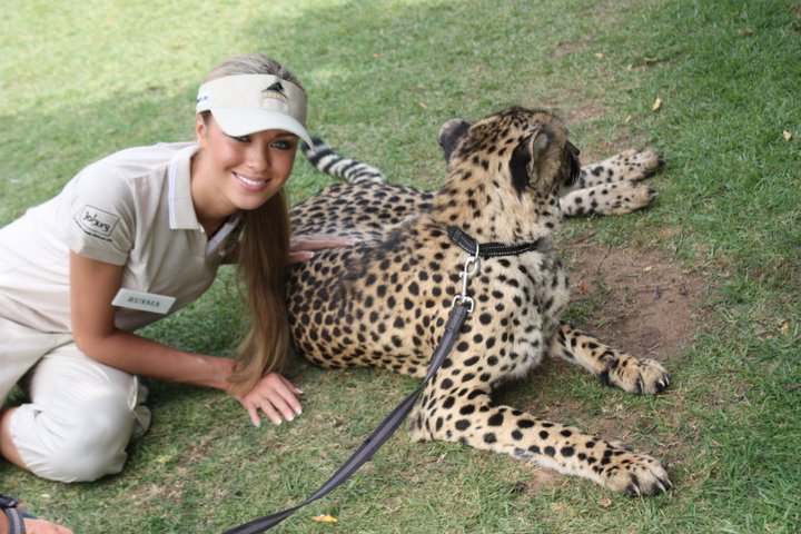 Ksenia Sukhinova with Cheetah. Photo