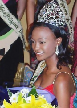 Winfred Omwakwe (Kenya) - Miss Earth 2002. photo