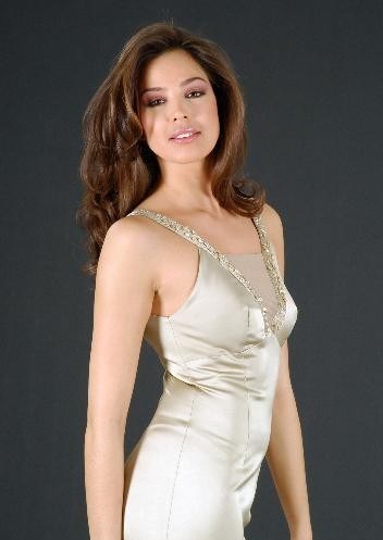 Azra Akın (Turkey) Miss World 2002 Photo