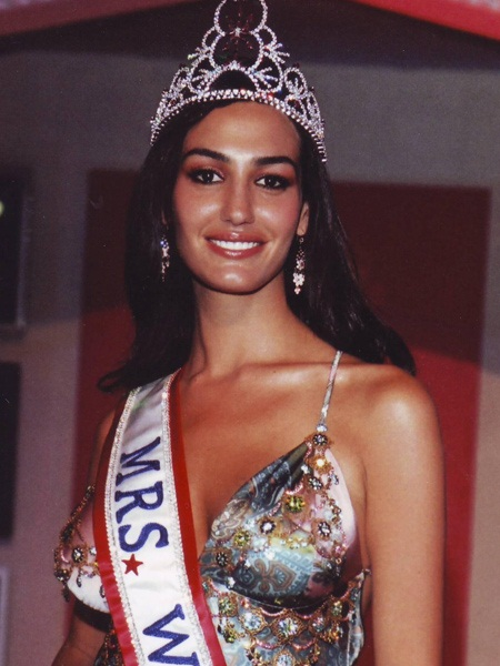 Beautiful Israeli woman Sima Bakhar Mrs. World 2005 winner