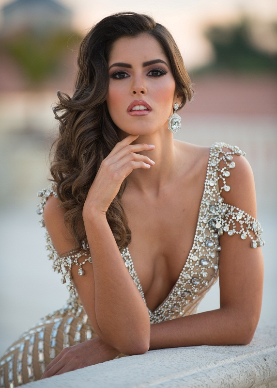 Paulina Vega (Colombia) Miss Universe 2014 hot picture