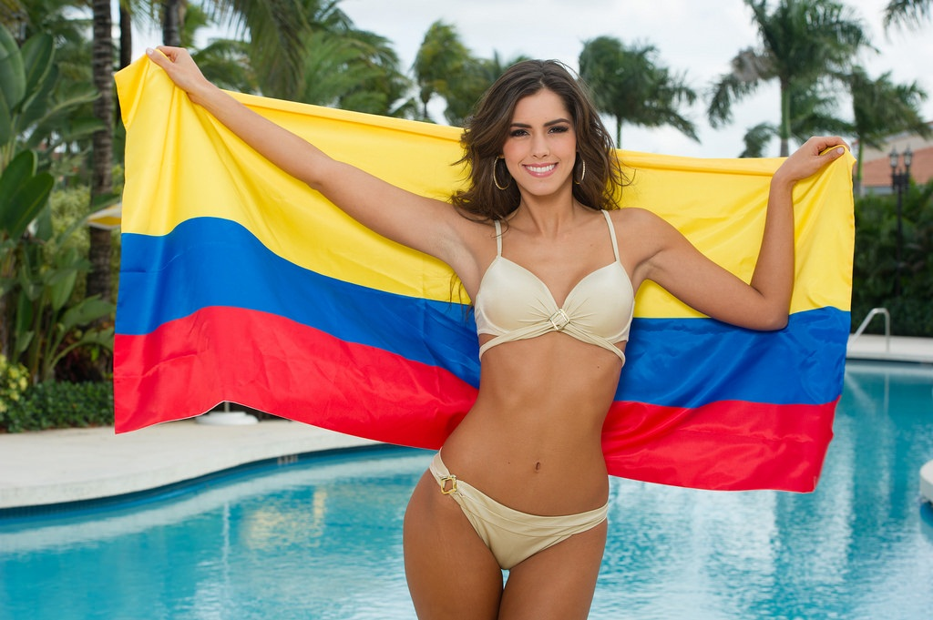 Paulina Vega (Colombia) Miss Universe 2014 hot photo in bikini