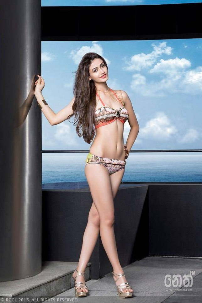Aditi Arya Miss India World 2015 hot picture in bikini