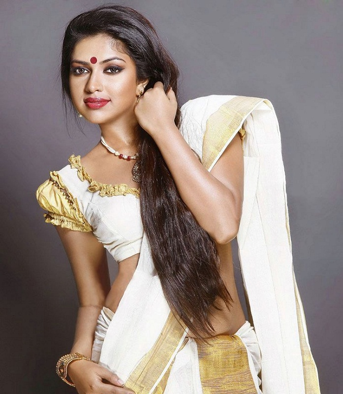 south indian actress Amala Paul in sari