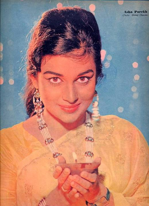 Beautiful indian woman Asha Parekh