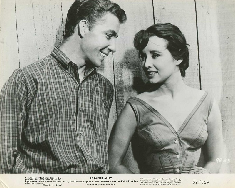 Don Sullivan and Carol Morris in film Paradise Alley (1962)