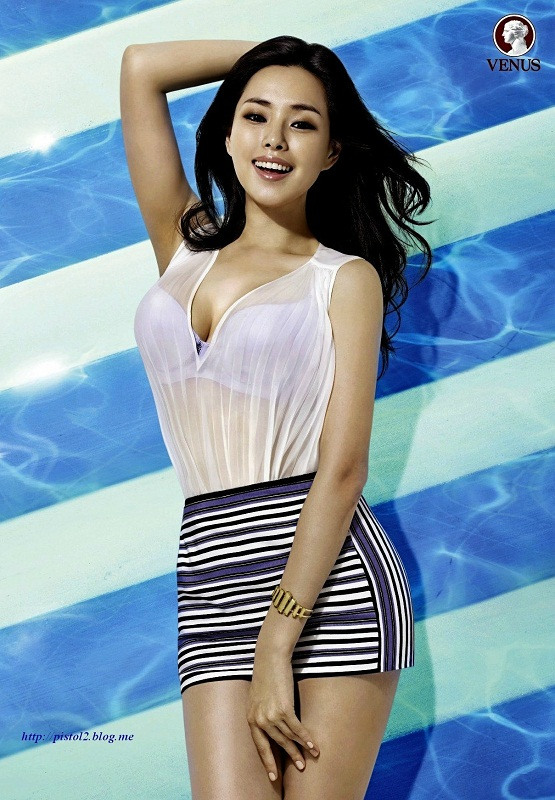 hot korean girl Lee Ha Nee / 이하늬 /Honey Lee photo