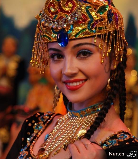 Mayire Ametjan member of the all-female uyghur group Gul Yaru from Xinjiang