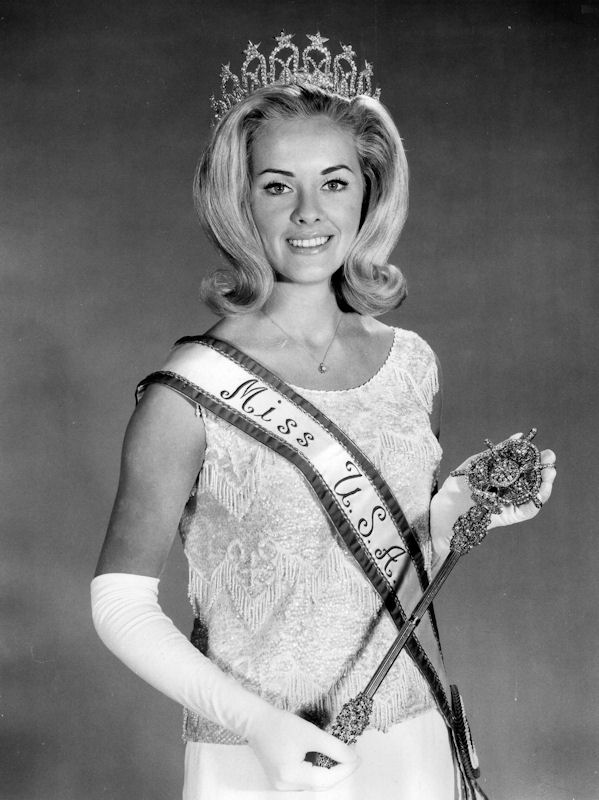 Sue Ann Downey (Ohio) Miss USA 1965 winner photo