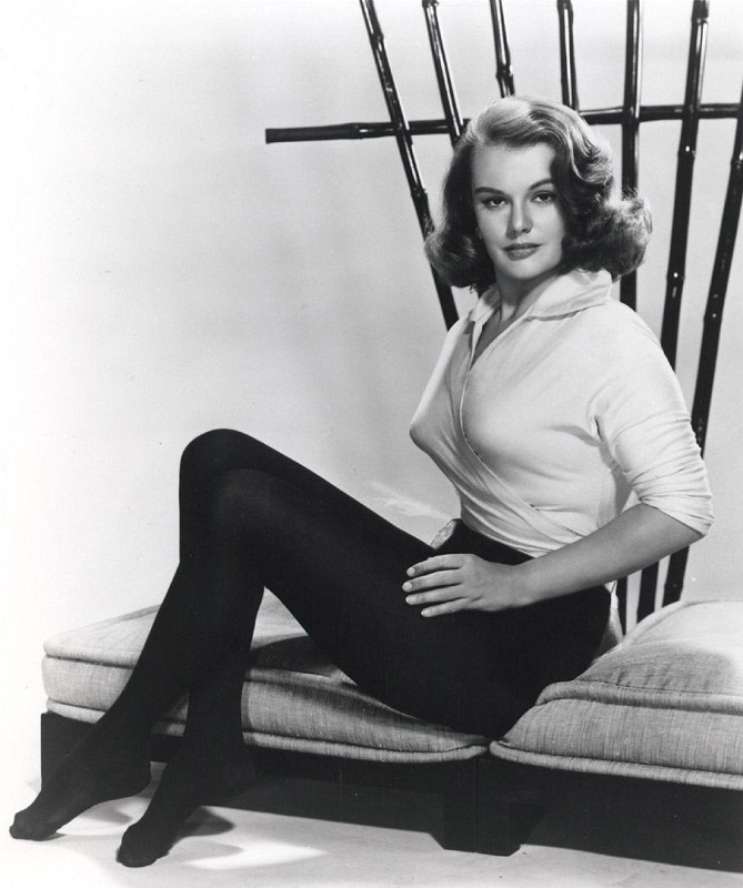 Myrna Hansen (Illinois) Miss USA 1953. photo