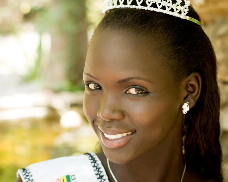 Beautiful South Sudanese girl Manuela Mogga Matong photo