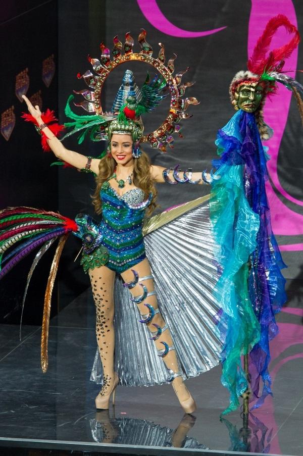 Miss Guatemala 2016 Misses National Costume Presentation