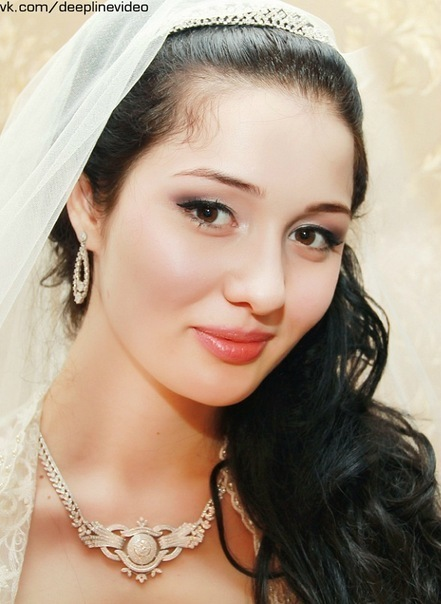 Kheda Khamzatova Beautiful Chechen Girl Photo