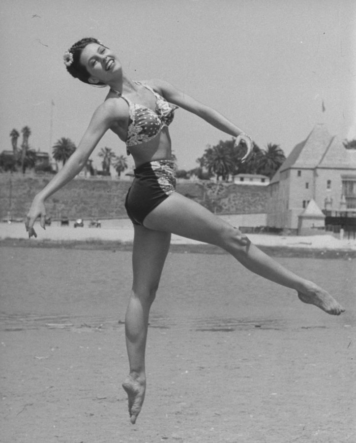 Cyd Charisse dancing. photo