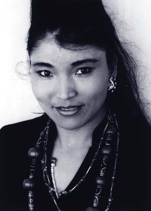 Yungchen Lhamo Tibetan singer-songwriter photo